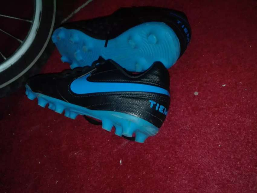 Soccer shoes 0
