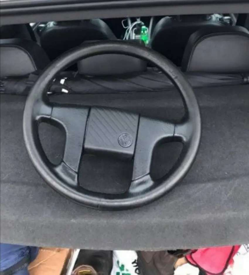 Looking for a jetta 2 steering wheel in very good condition