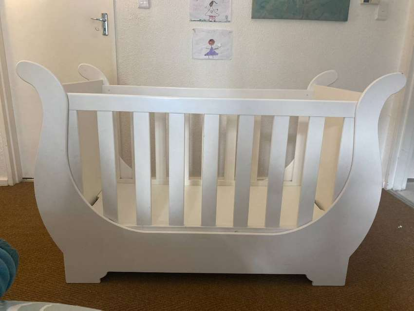 Wooden Sleigh baby Cot bed in excellent condition for sale at a give a