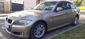 BMW 320i WITH SPARE KEYS IN EXCELLENT CONDITION