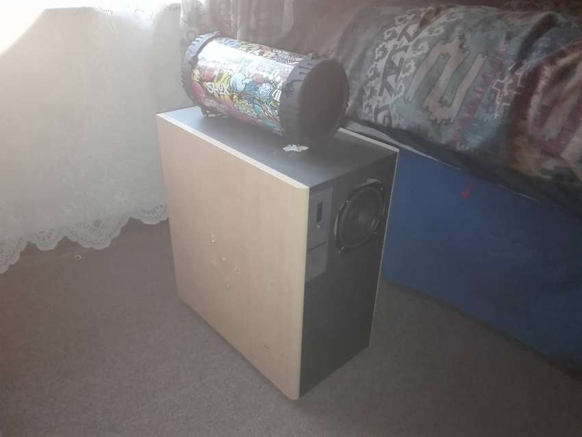 Blutooth speaker with subwoofer 0