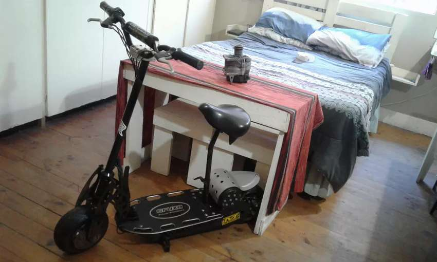 Cruza powered battery operated scooter