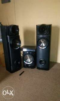 neatly used home theatre 0