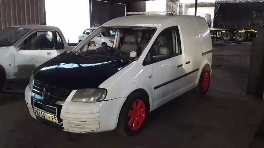 Vokswagen caddy panel van 1.9 tdi body 0