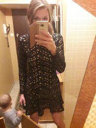 Czarna ażurowa sukienka koronka s