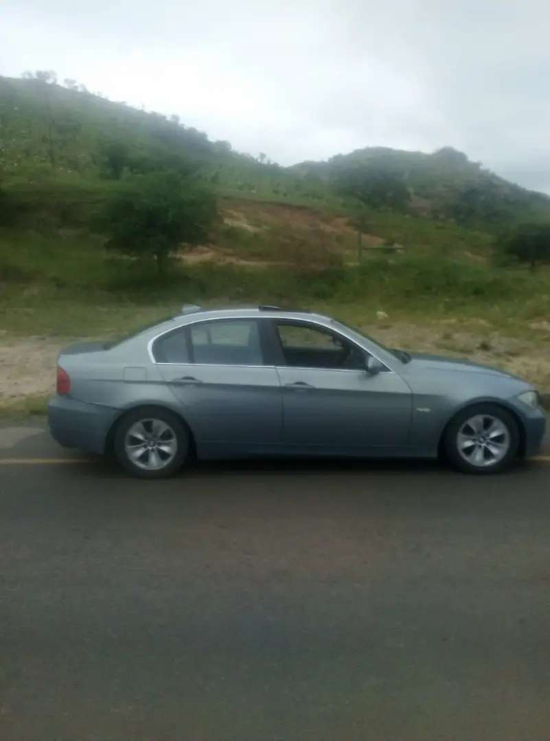Very clean BMW 325i everything inorder the car is running 0
