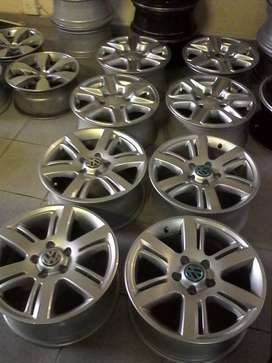 """17"""" VW Amarok mags set for R6500."""