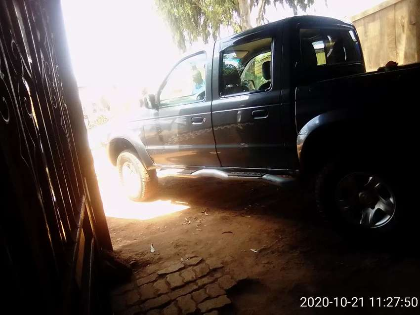 Hello am selling a car for R200,000 0