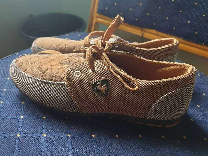 Brown suede shoes size 39 0