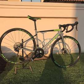 Full carbon cube road bike with ultegra group set