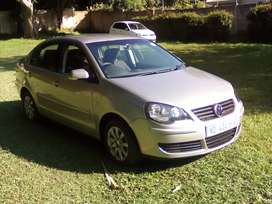 2009 VW POLO SEDAN 1.6 AUTOMATIC Comfortline  full house.