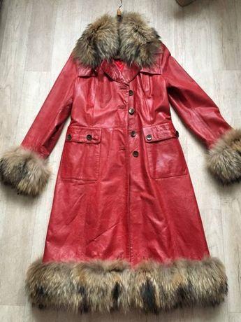 Очень эффектный кожаный плащ с натуральным мехом енота Харьков - изображение 1