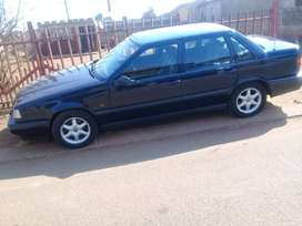 Used Volvo 850 automatic in good condition up for grabs