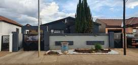 Beautiful house in Dobsonville Ext3