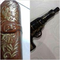 Бутылка в виде пистолета с чехлом 250 руб