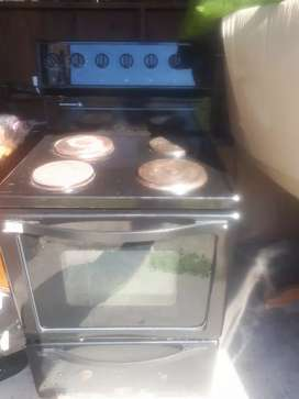 Stove for sale R700 negotiable