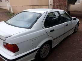 BMW 3 series 320i 1995 for sale.R65000