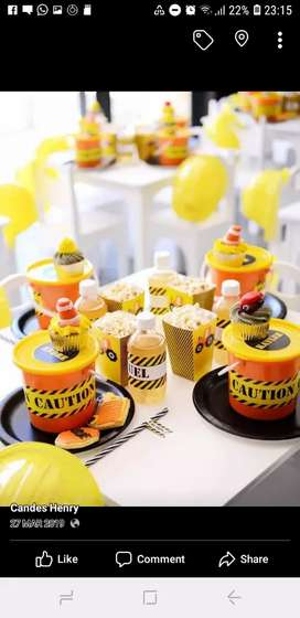 Party cakes and decor