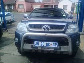 2011 Toyota Hilux 2.5 D4D double cab with a leather seat