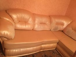 Продам комплект диван и кресло под перетяжку