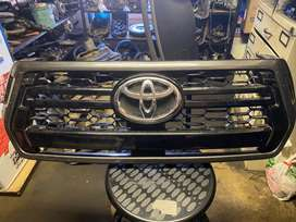 TOYOTA GRILL