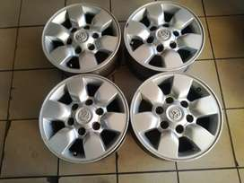 Toyota Hilux 15inch mags
