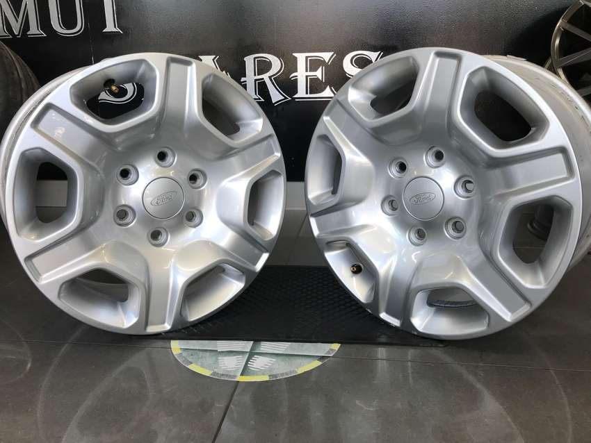 Ford Ranger 17 inch mags for sale!!