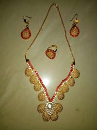 Necklace occasionally, can be wear with traditional cloths,English wea 0