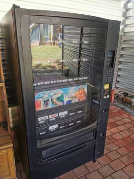 Vending Machine Fridge for Beverages and Sweets