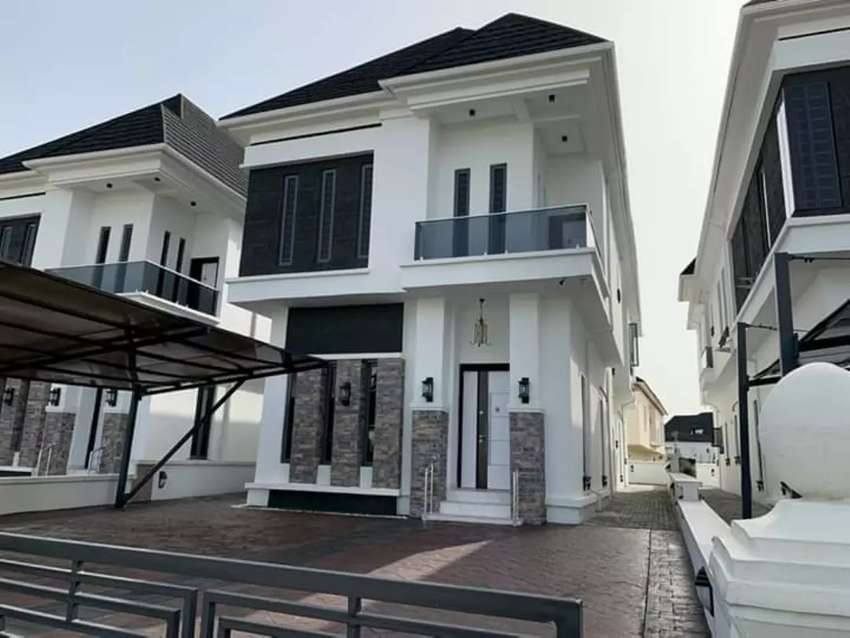 5 Bedroom duplex with a BQ in Lekki Phase 1 for 100M 0
