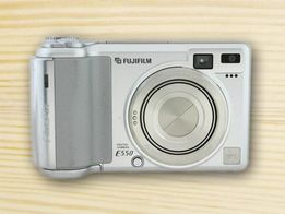 FUJiFILM E550 с картой на 256 мВ