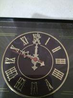 Продам настольные часы с ,,золотыми стрелками,,90-х г. Цена 400грн.