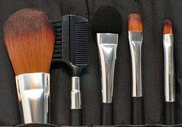 Продам набор кистей для макияжа TheBodyShop