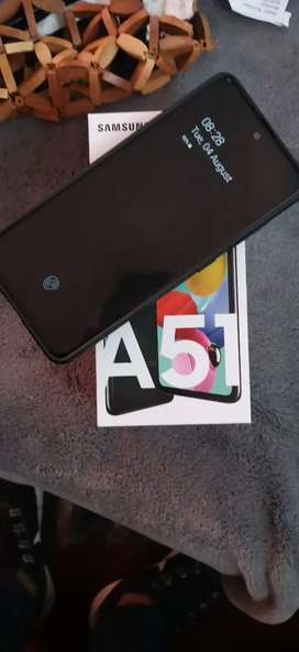 Black Samsung a51 new with proof of purchase R5500