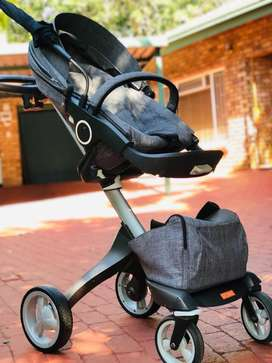 Stokke Xplory, bassinet, Be Safe Car Seat & 2nd car seat from Ciello