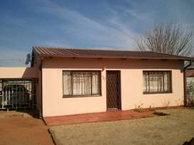 2 BEDROOM HOUSE  AVAILABLE TO RENT