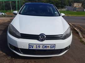 2011 VW Golf 6 1.4 Tsi Comfortline with Sunroof and leather seats