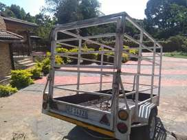 Cattle trailer with detachable rails for sale