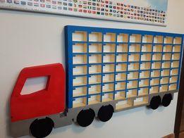 Półka na resoraki ciężarówka z imieniem na samochodziki Hot Wheels