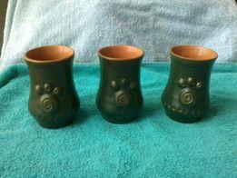 Три керамические вазочки.