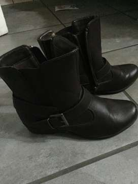 Woolworths leather ankle boot size 7