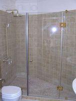 Двери для душевой кабины, перегородки и ограждения для ванной