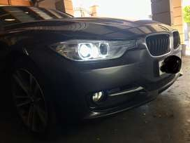 BMW 320i Sportline with connected drive