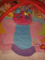 Игровой коврик с игрушками