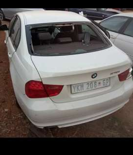 2010 bmw 320i E90 stripping