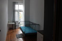 Pokój jednoosobowy z balkonem rejon PKP i Ronda Kaponiera