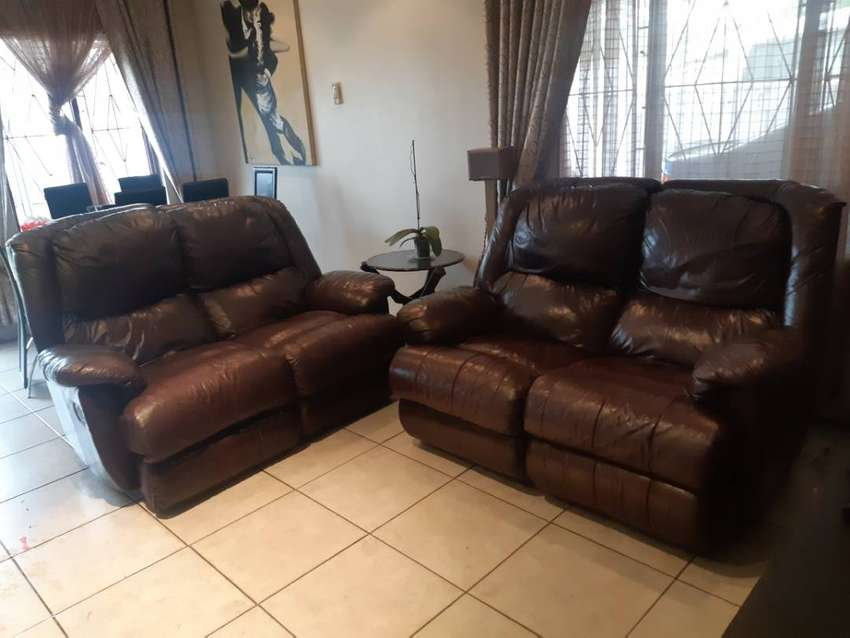 Genwine leather lounge suites. 0