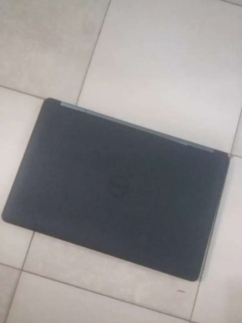 Dell Core i3, Laptop 0
