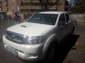 Toyota hilux double cab 3.0 D4D VERY CLEAN