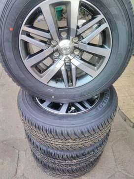 "18 "" Fortuner mags and 265 / 60 / 18 Dunlop tyres"